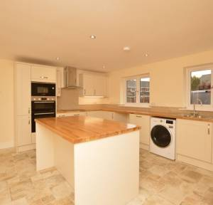 3 Bedroom House for sale in Willow Drive, Salisbury