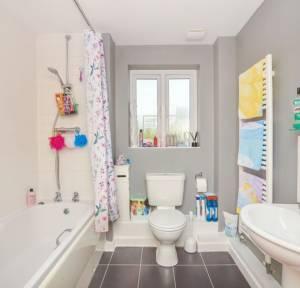 2 Bedroom Flat for sale in Lanfranc Close, Salisbury