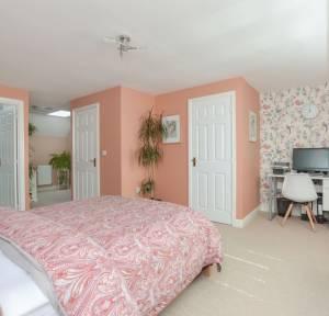 3 Bedroom House for sale in Osmund Walk, Salisbury