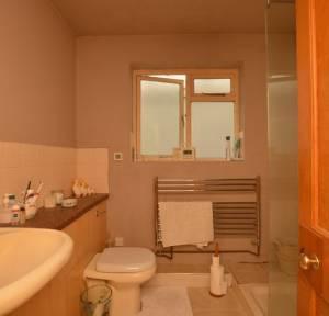4 Bedroom Bungalow for sale in Mill Lane, Salisbury