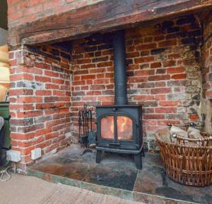 2 Bedroom House for sale in The Headlands, Salisbury