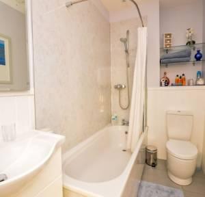 1 Bedroom Apartment / Studio for sale in Hartington Road, Salisbury