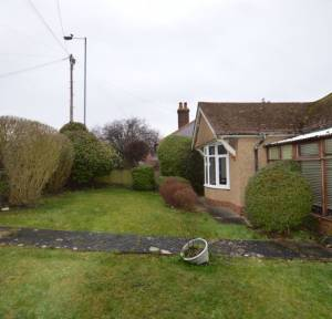 2 Bedroom Bungalow for sale in Devizes Road, Salisbury