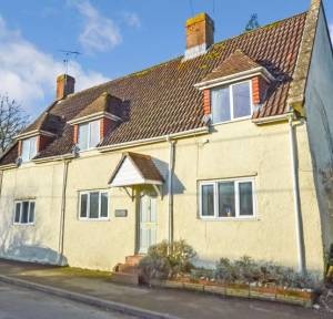 4 Bedroom House for sale in South Street, Salisbury