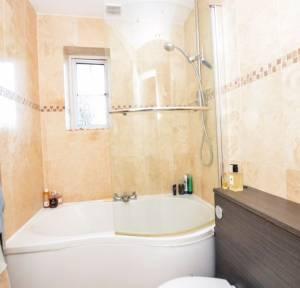 2 Bedroom House for sale in Kings Gate, Salisbury