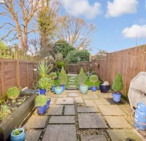 2 Bedroom House to rent in Kings Gate, Salisbury
