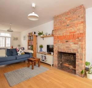 3 Bedroom House for sale in Pennyfarthing Street, Salisbury