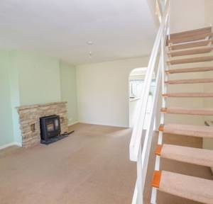 3 Bedroom House to rent in Hollows Close, Salisbury