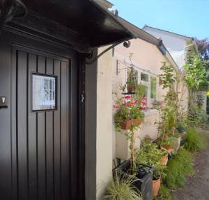 2 Bedroom House for sale in South Street, Salisbury