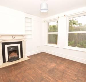 4 Bedroom House to rent in Charnwood Road, Salisbury