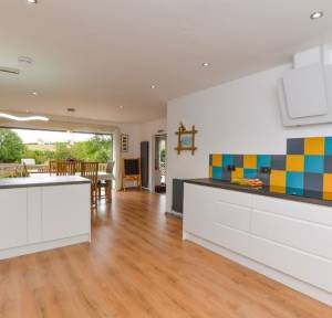 5 Bedroom House for sale in Great Croft, Salisbury