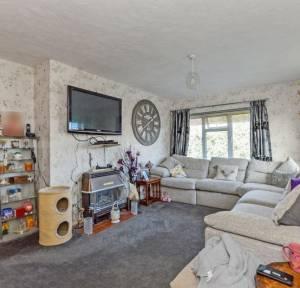 2 Bedroom Flat for sale in Bishopdown Road, Salisbury