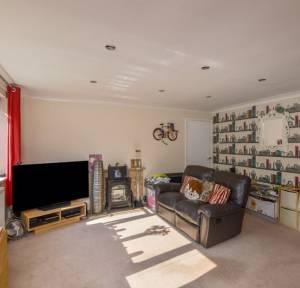 2 Bedroom Apartment / Studio for sale in The Brambles, Salisbury