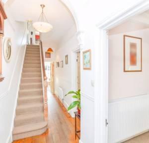 6 Bedroom House for sale in London Road, Salisbury