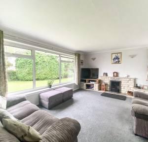 3 Bedroom Bungalow for sale in Green Lane Close, Salisbury