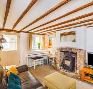 2 Bedroom House for sale in Water Ditchampton, Salisbury