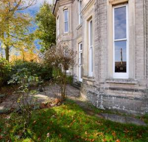 2 Bedroom Flat for sale in Shady Bower, Salisbury