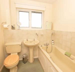 2 Bedroom House for sale in Sarum Close, Salisbury