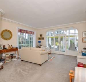 2 Bedroom Flat for sale in 60 Harnham Road, Salisbury