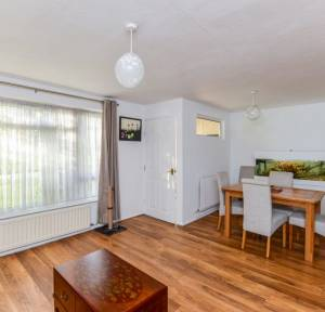2 Bedroom House for sale in Glyndebourne Close, Salisbury