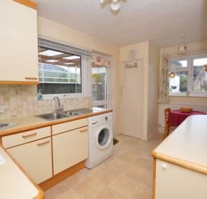 3 Bedroom Bungalow for sale in Downsway, Salisbury