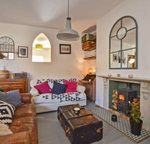 2 Bedroom Flat for sale in Windsor Road, Salisbury