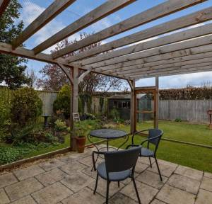 3 Bedroom Bungalow for sale in St. Peters Close, Wilton