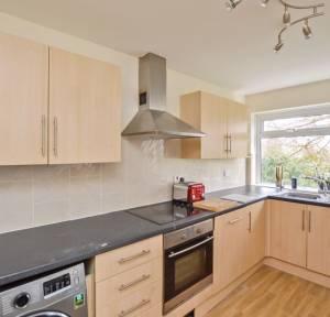 2 Bedroom Flat for sale in Glenmore Road, Salisbury