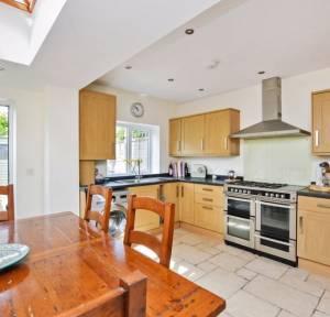 2 Bedroom House for sale in Meadow Road South, Salisbury
