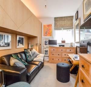 2 Bedroom Apartment / Studio for sale in New Street, Salisbury
