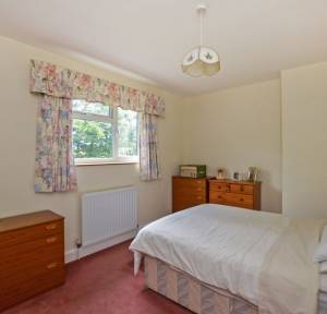 3 Bedroom House for sale in The Hollows, Salisbury