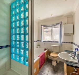 3 Bedroom Bungalow for sale in Broadfield Road, Salisbury