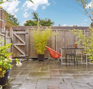 4 Bedroom House for sale in Brown Street, Salisbury