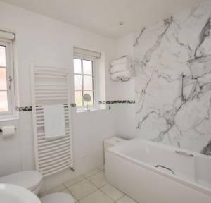 2 Bedroom Bungalow for sale in The Close, Salisbury