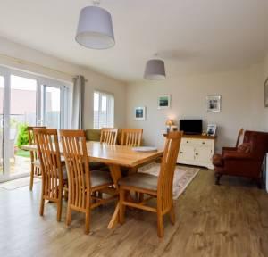 4 Bedroom House for sale in Oakley Road, Salisbury